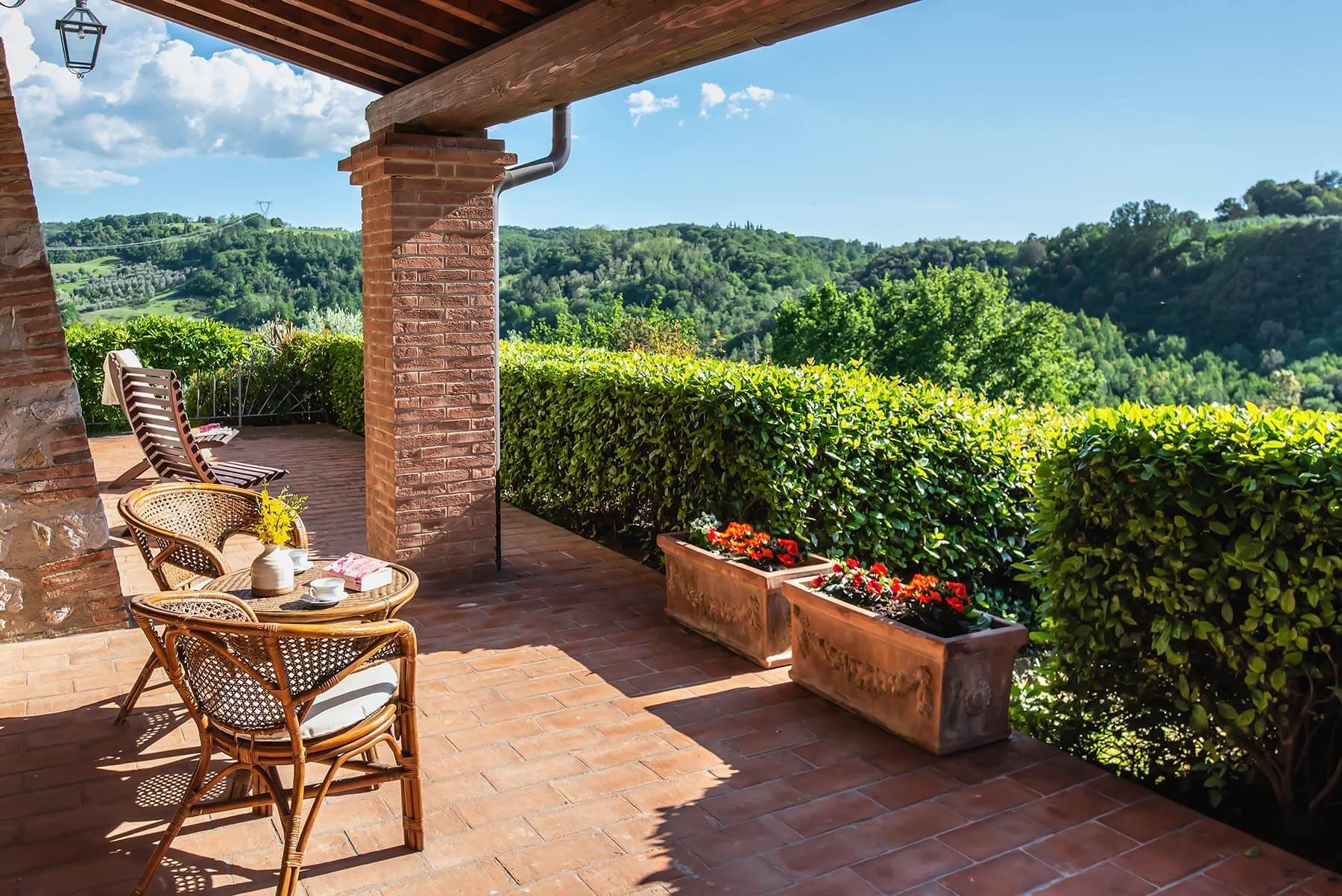 Il portico di Villa Lionella - Torrino Country Resort